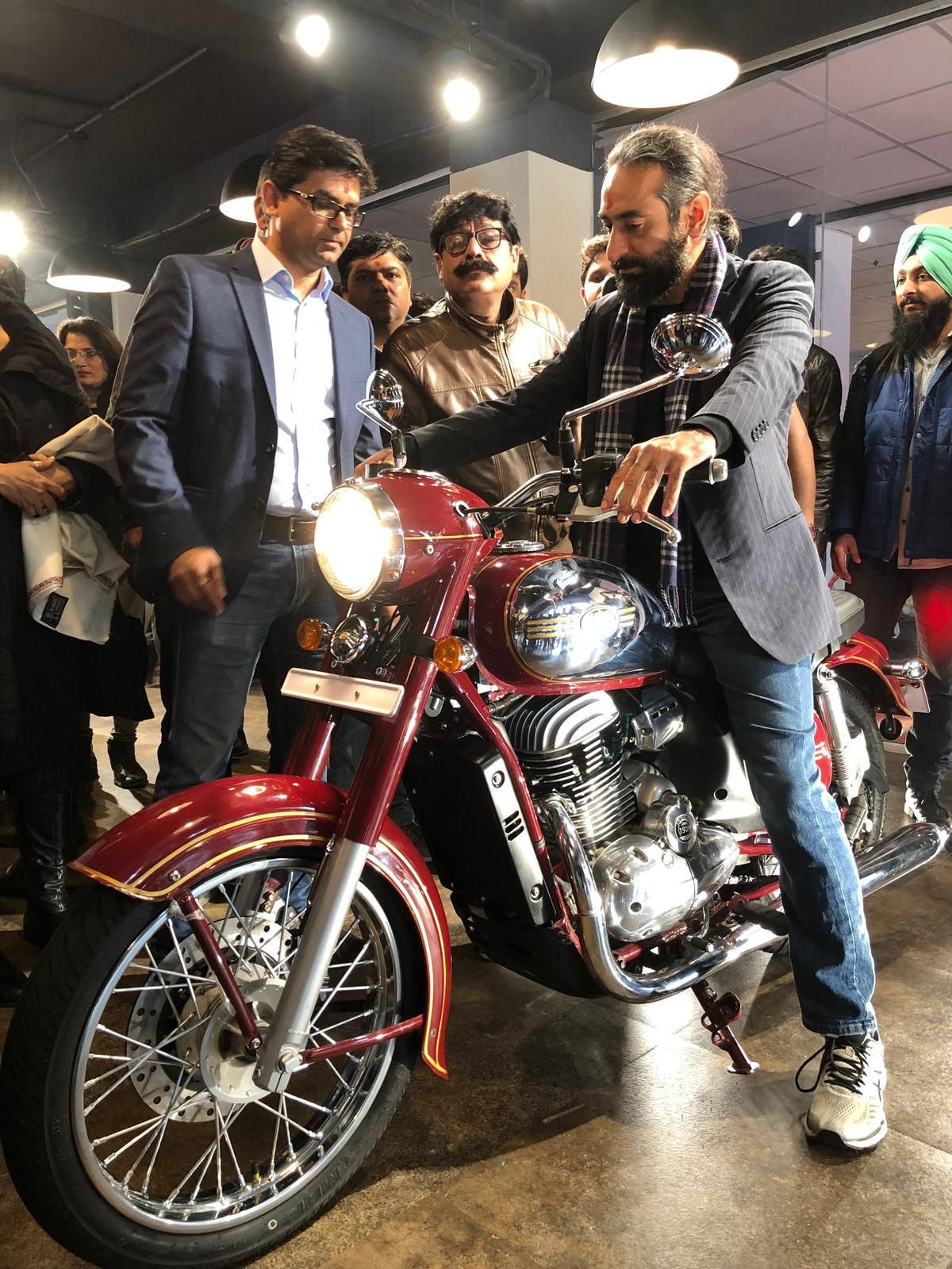 Have a Joyride with Jawa Motorcycle visit the outlets in Delhi and Gurgaon